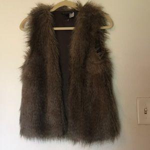 H&M faux fur vest xsmall brown